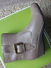 NEW NATURALIZER MINI TRUFFLE BOOTS WOMENS 8 TAUPE