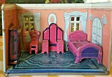 1920'S LOUIS MARX TIN NEWLYWEDS DOLL HOUSE BEDROOM W/ 4 PIECE FURNITURE SET