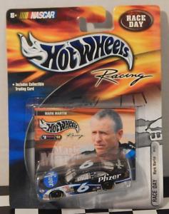 Ford Taurus Hot Wheels Racing NASCAR Race Day Mark Martin Trading Card Pfizer