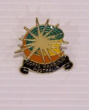 VINTAGE COFFS HARBOUR AUSTRALIA SOUVENIR METAL ENAMEL BADGE COAT COAT BROOCH PIN