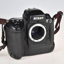 Nikon F5 macchina fotografica professionale 35mm perfettamente funzionante