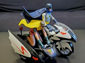 2009 Mattel Hot Wheels Batcycle & Sidecar w/ Batman action figure & CUSTOM ROBIN