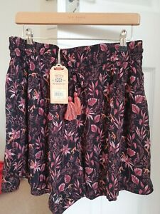 Ladies New Black Mix FAT FACE PRINTED SHORTS SIZE 12