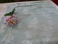 toile de matelas vert amande dessin ,,,  aux  roses 0,95x0,83