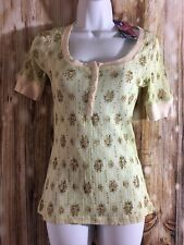 light green floral tee - Top 3/4 sleeve by Fang - Juniors M