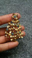 Pretty  vtg.  Avon mystic topaz rhinstone Christmas tree gold tone pin brooch