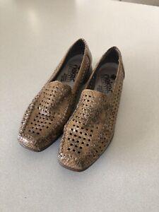 RIEKER Womens Shoes Size 6.5  VGC