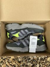 ADIDAS YUNG 96 TRAINERS CARBON / GREY / YELLOW - SIZE UK 6.5