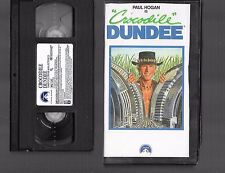 VHS - CROCODILE DUNDEE - 1986 - Paul Hogan -=- Buy more & save!