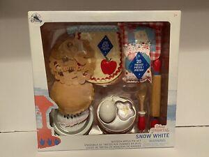Disney Store - Snow White Wooden Apple Pie Set