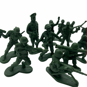 24 Plastic Toys Soldiers for Army Military War Games Soldier Men UK SELLER