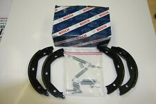 Bosch Brake Shoes with Installation Kit Ford Fiesta V and Mazda 2 Set for Rear