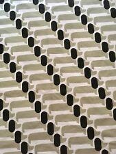 Orla Kiely Pequeño Perro Salchicha Perro mostrar Gris 25cm/25cm cuadrado de tela de algodón nueva