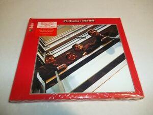 The Beatles - RED Album 1962-1966 Remastered 2CD 2010 New notes and photos.