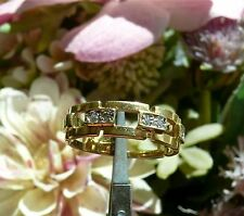 Excellent 18k Yellow Gold & Diamond Band Ring Size 6.5