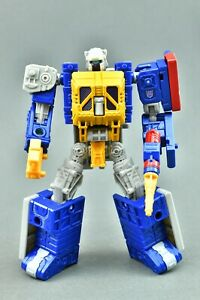 Transformers Generations Selects WFC-GS12 Greasepit, War for Cybertron Deluxe