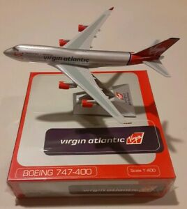 New IXO Model G-VFAB Virgin Atlantic Boeing 747-400 with Stand Scale 1:400