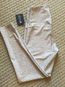 NWT Onzie Women Gray & Cream High Waist Leggings Size S/M
