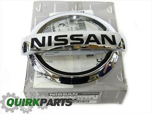 2013-2017 Nissan Versa Note Front Chrome Grille Emblem OEM NEW