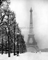 THE EIFFEL TOWER IN PARIS SNOW DURING THE WINTER OF 1948 - 8X10 PHOTO (AB-267)