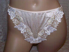 Lise Charmel Erable Collection M Thong Style Panty Medium Cristal Cream New