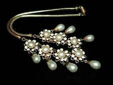 Vintage 1950s filigree gold tone faux pearl & rhinestone drop flower necklace