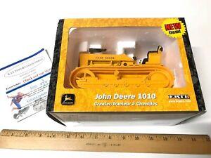 ERTL 1/16 SCALE DIE CAST JOHN DEERE 1010 CRAWLER NEW IN BOX NEW ITEM YELLOW