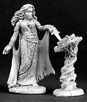 Reaper Miniatures - 03138 - Necromancer with Tome - DHL