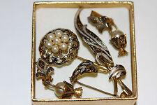 Vintage Set : Brosche und kleine hübsche Ohrclips(Clips) mit Perlen