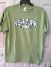 NEW YORK Men's Short Sleeve Green Graphic Shirt Size Large ~ NEW  NWT