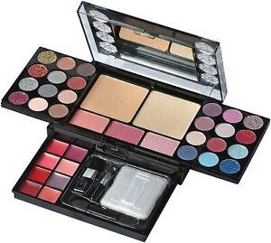 Cosmetics Mini Fold Out Cosmetic Palette Set, Diamonds 40-Piece travel companion
