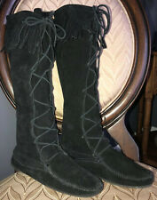 MINNETONKA Black Fringe Suede Tall Lace Up Moccasin Boots Sz 8 Boho