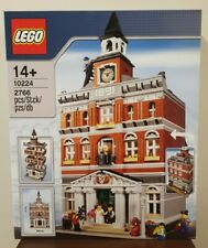 Brand New LEGO 10224 Town Hall