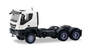 HO Scale Trucks - 310529 - IVECO TRAKKER TRACTOR 6 × 6, WHITE