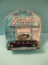 Ford Excursion Black Limousine series Playerz Luxury scale 1:64 by Maisto