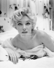 MARILYN MONROE ICONIC ACTRESS AND SEX-SYMBOL - 8X10 PUBLICITY PHOTO (FB-569)