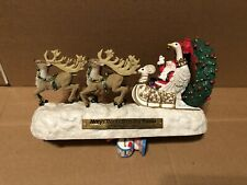 Macy's Thanksgiving Parade 75 Anniversary Santa's Sleigh Musical Centerpiece