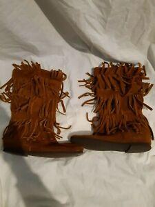 Minnetonka Tan Suede Triple Fringe Boots Size 6
