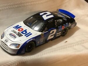 NASCAR Diecast 1/24 #2 Rusty Wallace Miller Lite Mobil Clean 7500 2005 Dodge