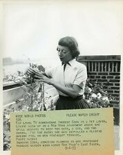 IMOGENE COCA FLOWERS ON PENTHOUSE TERRACE YOUR SHOW OF SHOWS 1953 NBC TV PHOTO