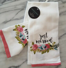 New Set 2 Cynthia Rowley WEDDING Kitchen Tea Towels JUST MARRIED Pink Flowers