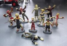 10 ZOMBIES WALKING DEAD GHOULES Custom hand painted figures HO OO Scale 22mmtall