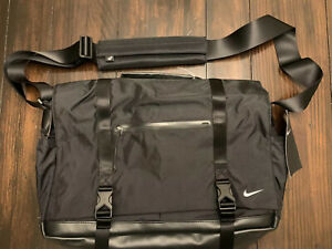 NIKE Eugene Elite PREMIUM Messenger Laptop Bag Cross Body BLACK PBZ745-010