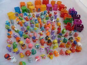 Zomlings bundle large bundle 110+ figures, 15 buildings, 10 vehicles