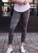 NWT Spanx LAMN Cropped Leggings Sage Camo Size L