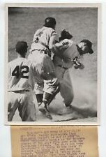 Original 1954 Enos Slaughter NY Yankees Out Wire Photo