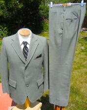Sharp Vintage 1960s Suit 40S 31x31 - Attractive PISTACHIO Worsted - Skinny Legs