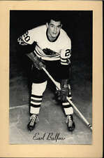 1944-63 BEEHIVE GROUP 2 PHOTOS   EARL BALFOUR CHICAGO BLACK HAWKS EX-MT F2531