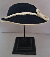 Beau chapeau vintage rétro paille