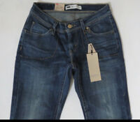 Levi's Women Jeans Size 0 Medium Curvy Boot Cut Authentic Brand New with Tags